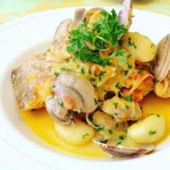 本日のお魚料理【子持ちカレイのポワレ、あさりとサフランのスープ】